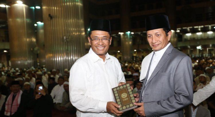 Awali Ramadan, Sinar Mas Wakafkan Alquran bagi Masjid Istiqlal