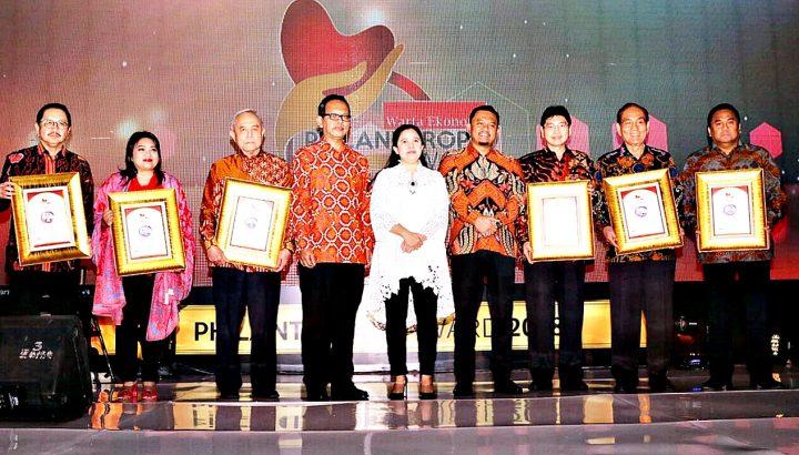 https://www.wartaekonomi.co.id/read179899/inilah-20-tokoh-peraih-philanthropy-award-2018.html